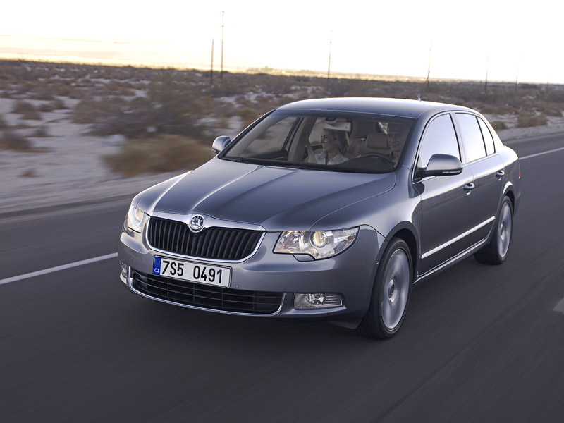 http://www.skoda-portal.ru/im/skoda-superb-2009-new-foto-photo-official/skoda-superb-2009-new-foto-photo-official-5.jpg